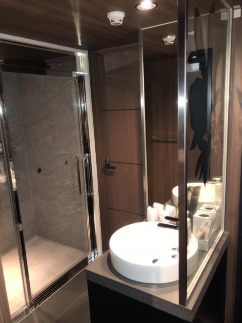FABULOUS(ファビュラス)(立川市/ラブホテル)の写真『605号室、バスルームと洗面所』by かとう茨城47