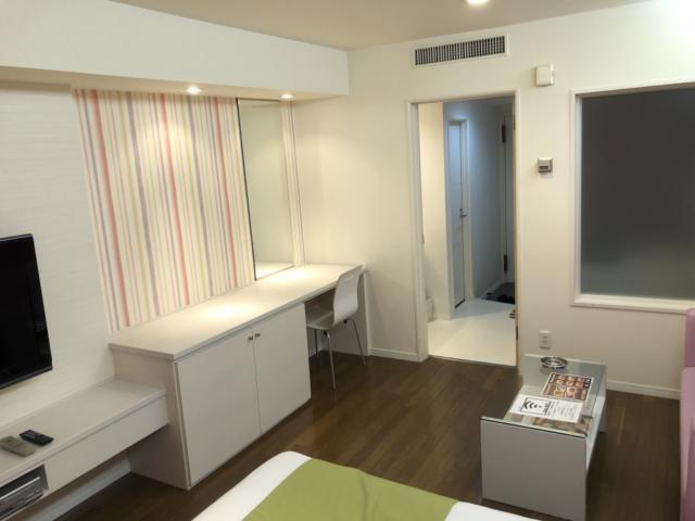 HOTEL Lowerl(ロワール)(横浜市港北区/ラブホテル)の写真『301号室、部屋全体』by かとう茨城47