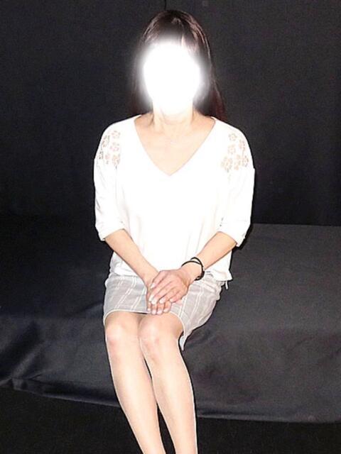 岩本 鈴 熟女紹介センター(熟女デリヘル)