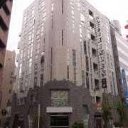 HOTEL LINDEN(全国/ラブホテル)の写真『昼の外観(東から)』by ホテルレポったー