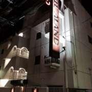 アランド吉祥寺(全国/ラブホテル)の写真『昼の外観  西側全景  駅方向より』by ルーリー9nine