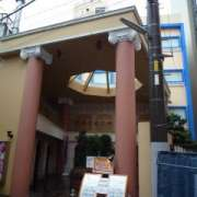 HOTEL SUEHIRO 本館(全国/ラブホテル)の写真『昼の外見』by スラリン