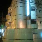 アランド新宿(全国/ラブホテル)の写真『昼の外観 北東の角』by ルーリー9nine