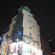 ホテル ATLAS(アトラス)(全国/ラブホテル)の写真『屋上屋号看板』by ルーリー9nine