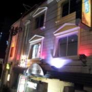 渋谷の街の物語(全国/ラブホテル)の写真『402号室利用。昼の外観です。』by キジ