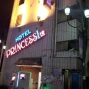 PRINCESS1世(プリンセスイッセイ)(全国/ラブホテル)の写真『昼の外観  東側/北側全景』by ルーリー9nine