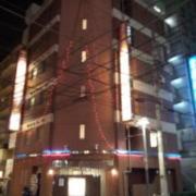 ホテル メープル(全国/ラブホテル)の写真『昼の外観  南西の角より全景』by ルーリー9nine