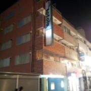 Hotel totolo(トトロ)(全国/ラブホテル)の写真『昼の外観(看板の色が変わりました)』by 情報屋X