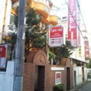 ホテル シャトー 小岩店(全国/ラブホテル)の写真『ホテルの前の様子(朝)』by 少佐