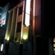 サナ・リゾート(全国/ラブホテル)の写真『昼の外観(北西から)』by ホテルレポったー