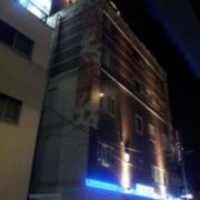 ホテル LUNA(全国/ラブホテル)の写真『昼の外観(西から)』by ホテルレポったー