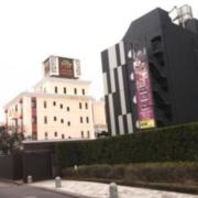 HOTEL SHIP'S(シップス)(全国/ラブホテル)の写真『昼の外観  北/東側全景』by ルーリー9nine