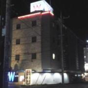 RESORT W HOTEL(リゾートダブルホテル)(全国/ラブホテル)の写真『昼の外観  東側全景』by ルーリー9nine