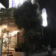 エクセリーヌ(全国/ラブホテル)の写真『昼の外観(東から)』by ホテルレポったー
