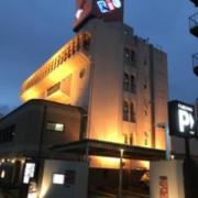 ホテル リオ(全国/ラブホテル)の写真『昼の外観(東から)』by ホテルレポったー