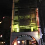 ホテルビバリーヒルズ(全国/ラブホテル)の写真『昼の外観(真正面)』by マスクドR