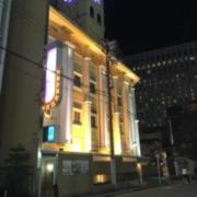ホテル パープルアイ(全国/ラブホテル)の写真『昼過ぎの外観①』by 少佐