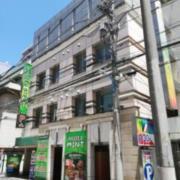 MINT Kabukichou(ミント歌舞伎町)(全国/ラブホテル)の写真『昼外観』by ところてんえもん