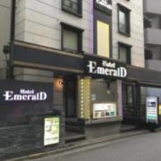 EMERALD(エメラルド)(全国/ラブホテル)の写真『昼間の外観』by ACB48
