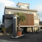 ホテル艶 横浜町田店(全国/ラブホテル)の写真『昼の外観』by すももももんがー