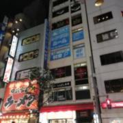 新橋レンタルルーム・スカイ(全国/ラブホテル)の写真『昼外観』by ところてんえもん