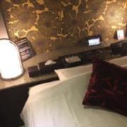 HOTEL bijou 【HAYAMA HOTEL】(全国/ラブホテル)の写真『203号室浴槽』by momona