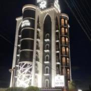MYTH L(マイス エル)(全国/ラブホテル)の写真『昼の外観(南から)』by ホテルレポったー