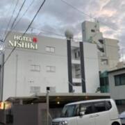 HOTEL 錦(全国/ラブホテル)の写真『昼の外観』by まさおJリーグカレーよ